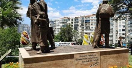 Ένα μνημείο για τους πρόσφυγες στη Σμύρνη
