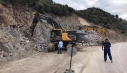 Ξεκίνησαν και πάλι οι εργασίες στο δρόμο Καλλονής - Σιγρίου